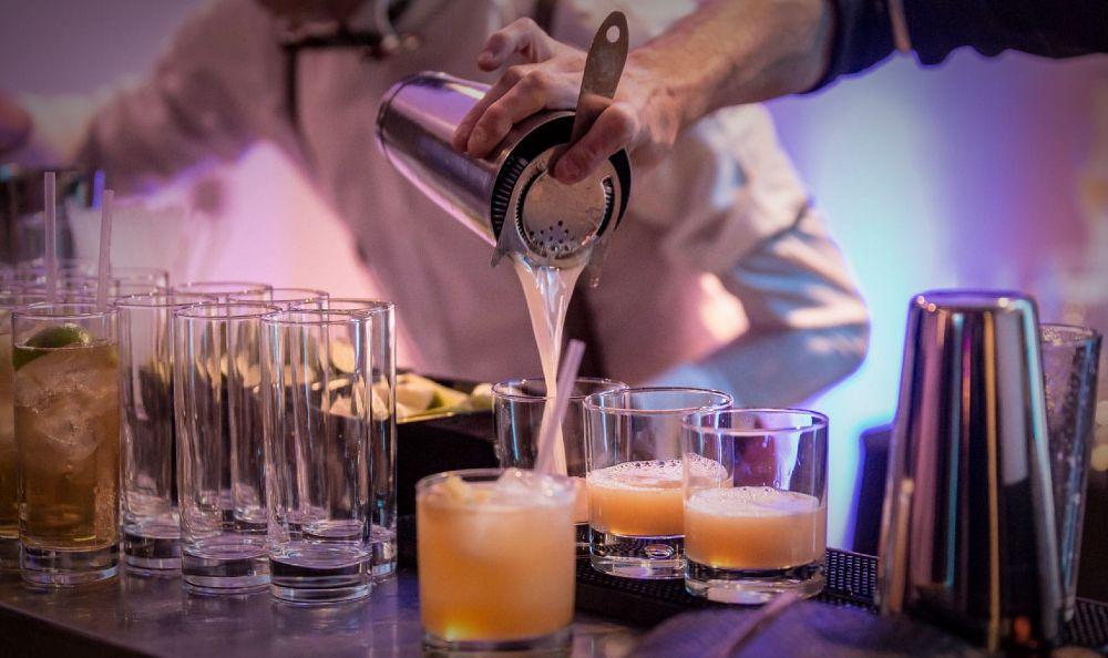 bartenders for hire at home